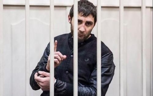 Глава Чечни Рамзан Кадыров назвал лейтенанта в отставке Дадаева настоящим патриотом России, подчеркнув, что только тщательное расследование покажет, действительно ли он виновен.