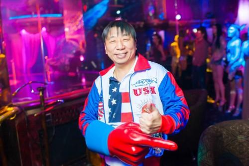 Сергей Ли в своей стрит-клубе Golden Girl.Фото: polytika.ru