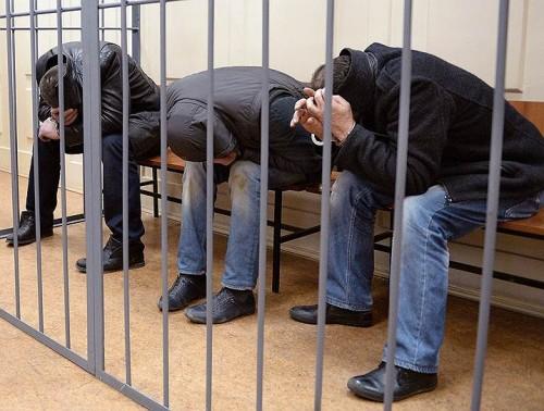 Задержания подозреваемых практически одновременно прошли в ночь на 7 марта в Москве, Подмосковье, Ингушетии и Чечне. Фото: Сергей Бобылев / Коммерсантъ