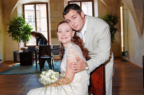 Нонна Гришаева вышла замуж за актера Александра Нестерова в 2006 году