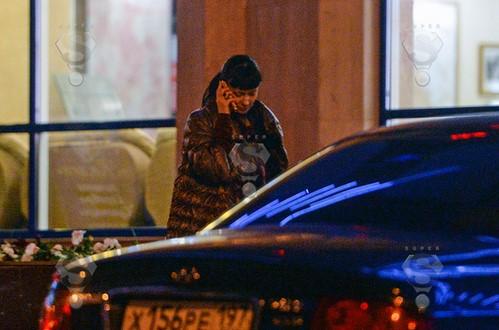Ближе к полуночи разгневанная актриса набрала номер любовника и со слезами на глазах потребовала объяснить причину его отсутствия