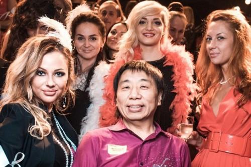 Сергей Ли называет девушек, которые больше не работают в его клубе, «выпускницами».Фото: the-village.ru