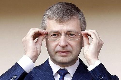 Дмитрий Рыболовлев подал в суд на женевского бизнесмена Ива Бувье, обвинив его в том, что тот продал ему произведения да Винчи и Модильяни, тайно завысив цены на несколько десятков миллионов