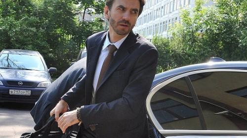 Согласно рейтингу журнала Forbes, Михаил Абызов на момент попадания во власть (к январю 2012 года), являлся долларовым миллиардером с состоянием в 1,2 млрд долларов.Фото: КоммерсантЪ