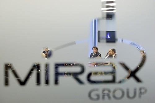 У Полонского трое сыновей, самого младшего Полонский назвал в честь своей компании Мираксом.