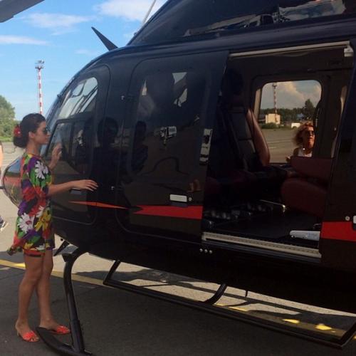 Частный вертолет, на котором передвигается Жасмин