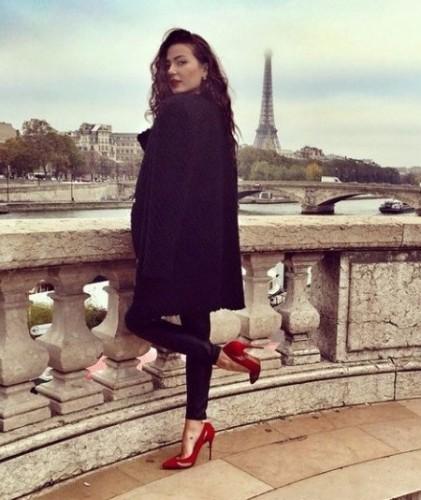 Младшая дочь главного гаишника Дарья Ершова страны гуляет по Парижу. Фото: Соцсети