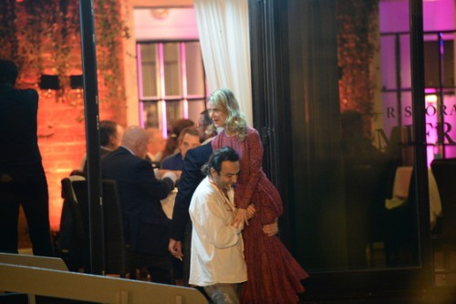 Джаник Файзиев носил Светлану Иванову на руках
