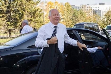 Гендиректор «Ростеха» Сергей Чемезов попросил Владимира Путина сделать «дочку» корпорации единственным поставщиком лекарств для лечения ВИЧ.