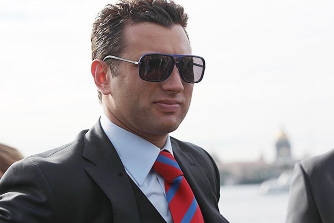 Спортивный менеджмент стал для Романа своего рода компенсацией за отказ от карьеры хоккеиста. Фото: 360tv.ru