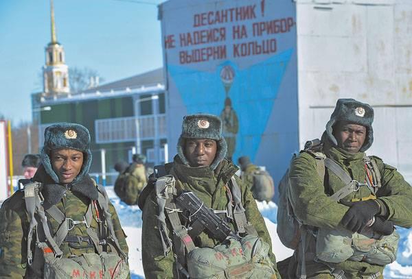 rossiyane-uezzhayut-sluzhit-v-ssha-vyxodcy-iz-centralnoj-azii-nanimayutsya-v-vojska-rf-3