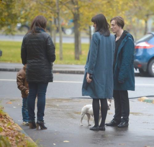 Кристина Смирнова с сыном Иваном, режиссер Анна Матисон и Сергей Безруков
