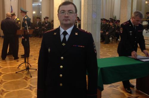 Полковник Владимир Загородский во время вручения дипломов в академии МВД
