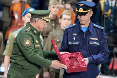Опыта, который получил, сам того не желая, подполковник Кременчуков, не имеет никто из летчиков ВТА, много летавших по миру.