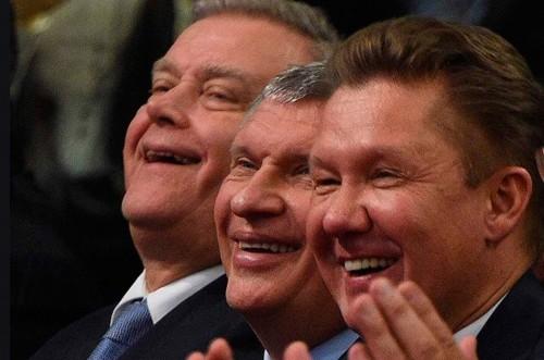 Алексей Миллер и Игорь Сечин попросили Медведева засекретить данные о своих закупках
