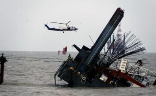 Возбуждено уголовное дело по факту фальсификаций при расследовании крушения буровой платформы, затонувшей в 18 декабря 2011 года в Охотском море. Тогда погибли 53 человека.Фото: astv.ru