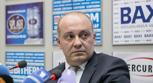 Служба национальной безопасности Армении (СНБ) обнародовала детали плана организованной преступной группировки, готовившей в стране вооруженный государственный переворот