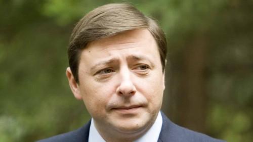 зампред правительства Александр Хлопонин, резко сдал свои позиции