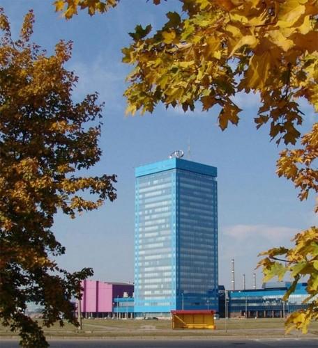 """Административное здание """"АвтоВАЗа"""", прозванное в народе """"свечкой"""".© Мэрия городского округа Тольятти"""