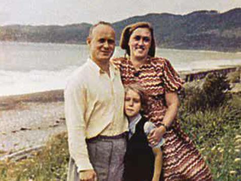 С женой и дочерью. Вторая половина 1940-х годов.
