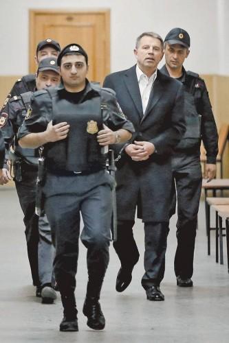 Успехи ЧТПЗ стали особенно заметны после того, как минувшей зимой было закрыто уголовное дело в отношении Андрея Комарова и его адвоката Александра Шибанова и Комаров наконец вышел из-под домашнего ареста