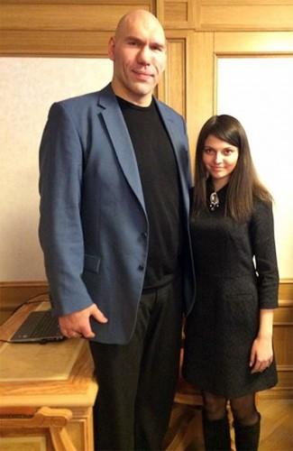 Алина Базарова, студентка и председатель молодежного совета при Воронежской гордуме; баллотируется по Аннинскому одномандатному округу №89 Фото: страница Алины Базаровой в Instagram