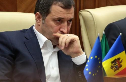 По мнению молдавских экспертов, приговор господину Филату завершает разгром некогда влиятельной политической силы конкурирующей властной группировкой во главе с местным олигархом Владимиром Плахотнюком