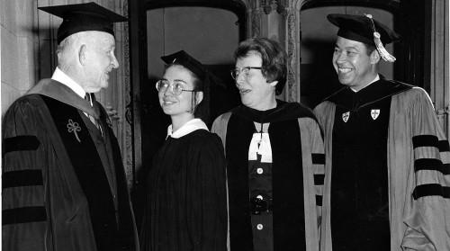 Хиллари Клинтон (вторая слева) — студентка колледжа Уэллсли, 1969 год