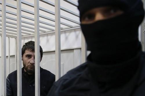 Заур Дадаев Бывший боец чеченского батальона «Север» Внутренних войск МВД, предполагаемый киллер. Сразу после задержания признался в убийстве Немцова, однако вскоре отказался от показаний, заявив, что дал их под пытками