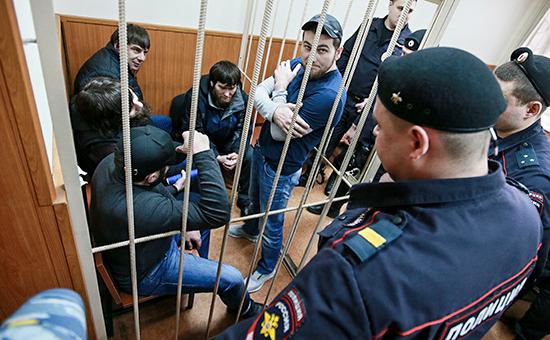 Заур Дадаев, братья Анзор и Шадид Губашевы, Темирлан Эскерханов и Хамзат Бахаев в зале Басманного суда Москвы, февраль 2016 года