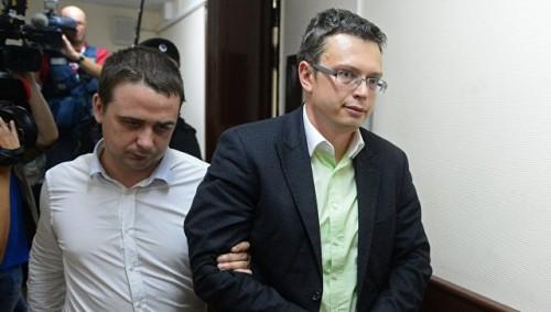 Обвиняемый в получении взятки замглавы ГСУ СК послал частное письмо главе СКР и готовится к освобождению