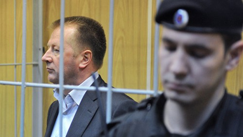 Бывший директор скандально известной «Славянки» Александр Елькин, обвиняемый в присвоении 118 млн руб., приговорен к 11 годам колонии и 500 млн штрафа