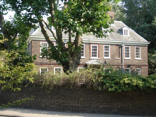 Old_Battersea_House,_30_Vicarage_Crescent,_London_01