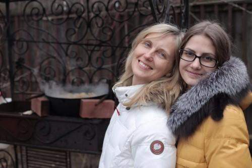 Елена Переверзева с дочерью. Фото из личного архива