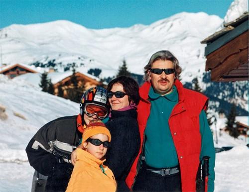 Сергей с женой Русудан и детьми Николаем и Ией в Куршевеле (1997)