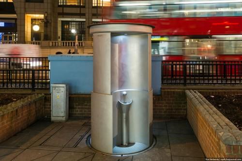 Открытый туалет в Лондоне