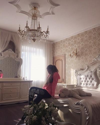 Так выглядит комната Юлии в доме родственников в украинском селе Фото: Социальные сети