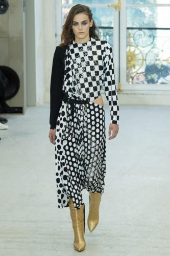 Платье дизайнера Николя Жескьера, которые пробрела Погребняк Фото: Социальные сети