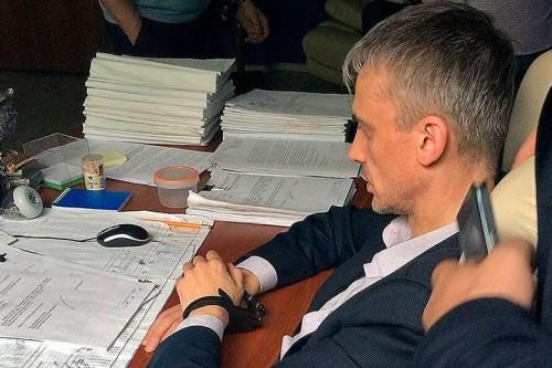 Экс-следователь Сурайкин в суде заявил, что ему подкинули наркотики, а потом и 1,9 млн рублей
