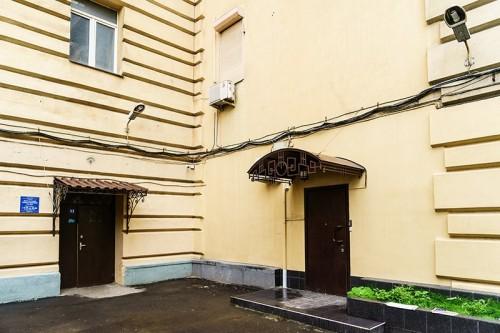 Здание, где располагался «офис» Сафоничева, на московской улице Большая Дорогомиловская Фото: Олег Яковлев/РБК