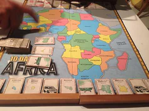 В Чечне играть на деньги можно, но только на игрушечные. Хит сезона — бродилка «Африка», завезенная из Америки. фото: Елена Мильчановска