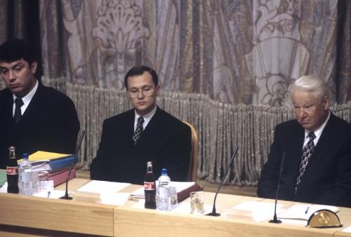 1998 год. Борис Немцов (тогда — зампред правительства), Сергей Кириенко и Борис Ельцин. Фото: РИА Новости