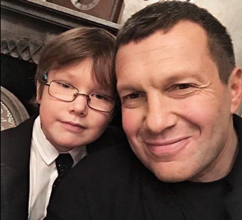 Владимир Соловьев с сыном Володей