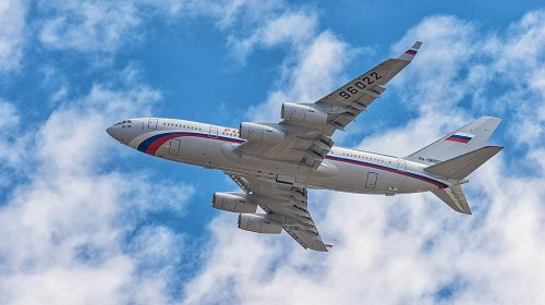 900 млн руб. за полеты высших чиновников погасят из бюджета. Фото: Олег Харсеев / Коммерсантъ