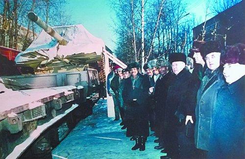 Торжественная церемония отправки первой партии танков Т-90С в Индию. 1 декабря 2001
