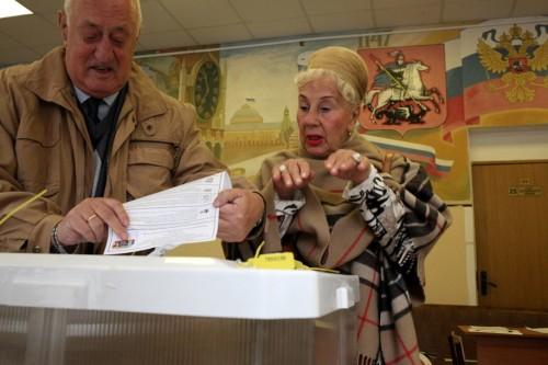 Избиратели голосуют. Фото: Анна Артемьева / «Новая газета»