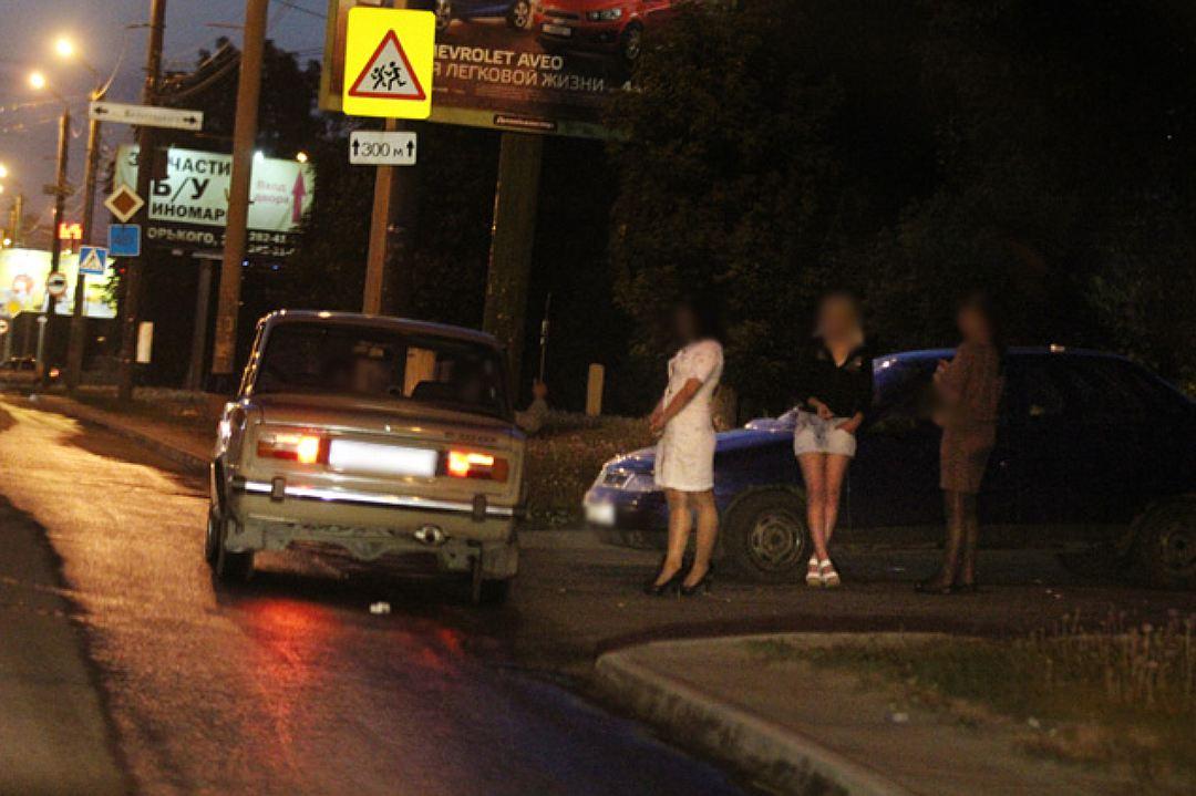 Снимают на дороге проститутку это